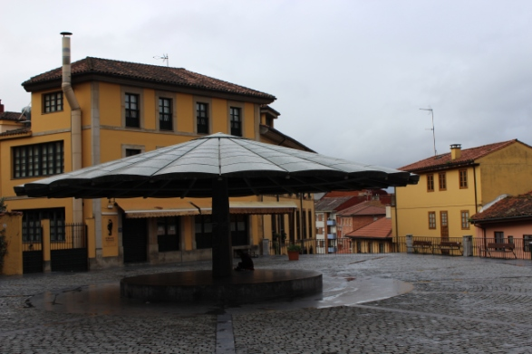 Oviedo is so used to using umbrellas that they've dedicated an entire plaza to them.