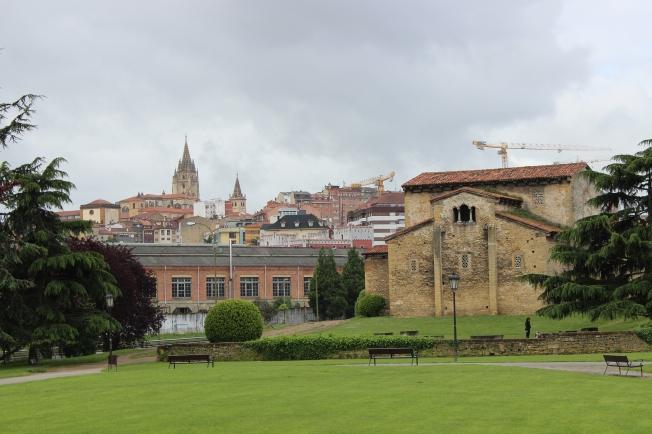 Santullano y Catedral